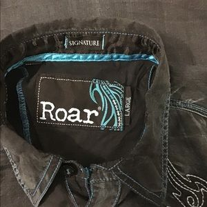 Roar Shirts - Roar Signature Black Teal. Large